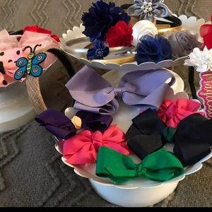Lot of 23 Girl's Hair Accessories